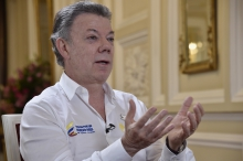 Colombian President wins surprise Peace Nobel