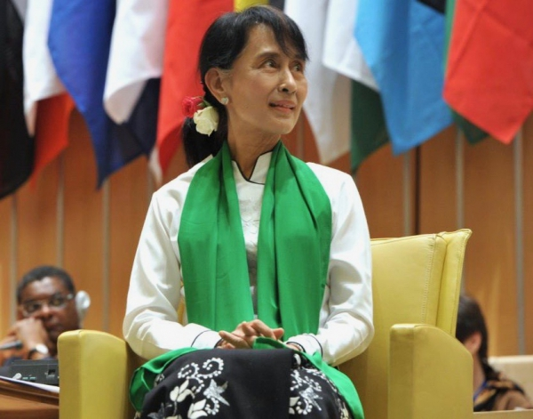 "Matthias Huber : ""When she did not go to the UN General Assembly in New York, it was probably because she was afraid she would be ousted by the army in her absence."" Aung San Suu Kyi in Geneva, 2012."