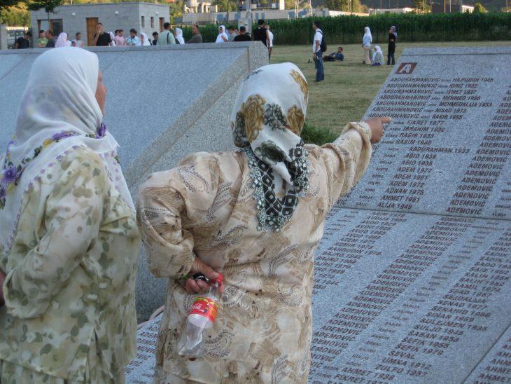Le génocide de Srebrenica ignoré par les manuels scolaires serbes de Bosnie