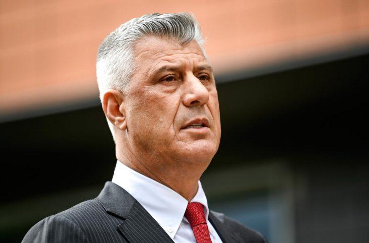 Avec le président Thaçi et trois UCK dans le box, les Chambres du Kosovo démarrent en force