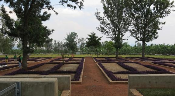 Nuanced Memory in Rwanda and Uganda : Responsibilities of  justice practitioners