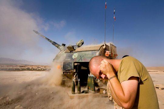 Dutch soldiers fire shells in the Chora region, Afghanistan