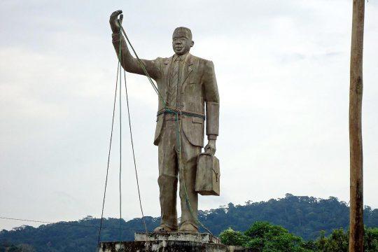 Statue représentant Rumben Um