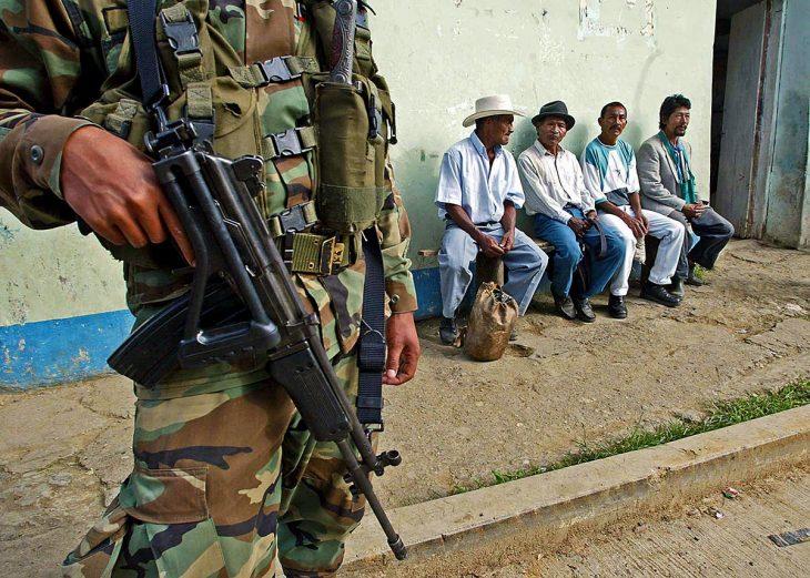 Colombia: 25 militares acusados de crímenes de guerra y de lesa humanidad