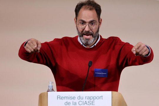 François Devaux s'exprime lors de la remise du rapport de la Ciase.