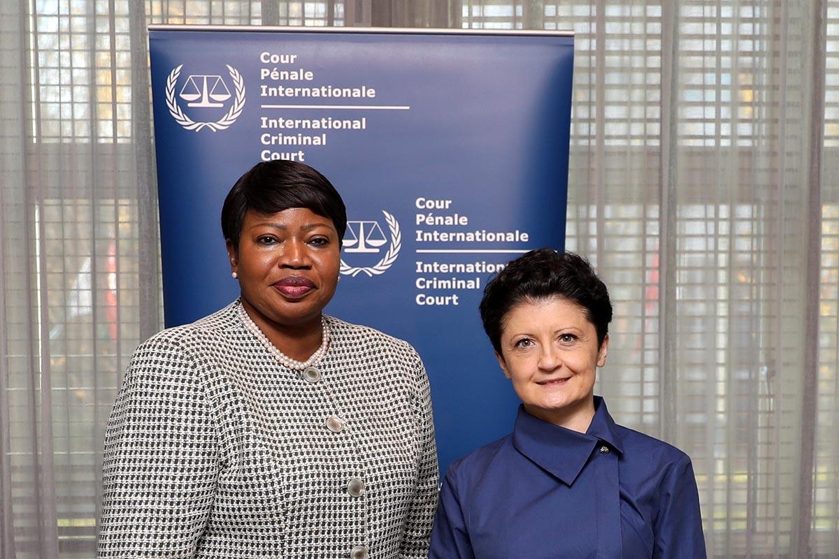 Fatou Bensouda et Thea Tsulukiani se rencontrent dans le cadre de la CPI