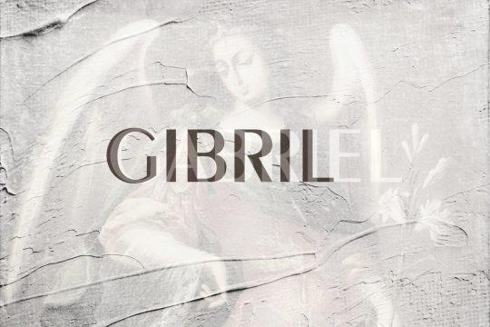 Gibril (Gabriel) avec l'ange Gabriel en arrière-plan