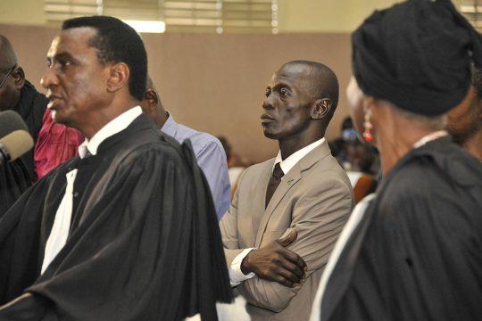 Procès du général Amadou Haya Sanogo (au centre) © AFP