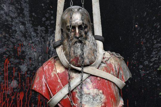 Statue vandalisée du roi Léopold II en Belgique