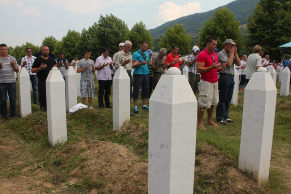 Week in Review: Remembering Srebrenica, and the ICC versus Bashir